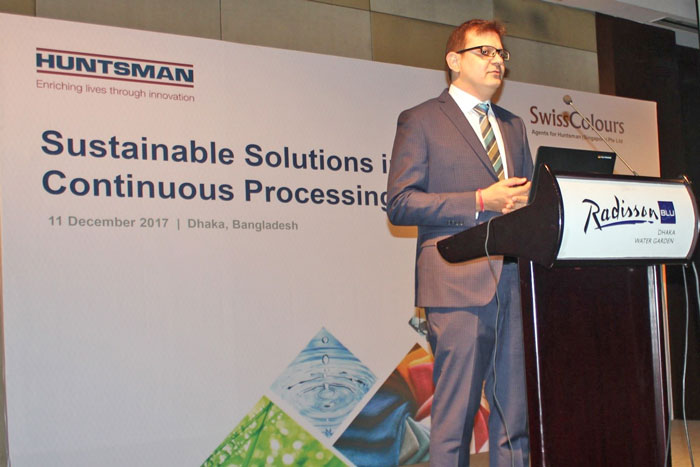 Figure 2: Chuck Hirsch, Vice-President, Sales and Technical Resources, Huntsman Textile Effects, delivered speech at the seminar