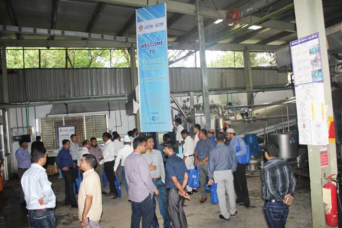 Distinguished-guest-from-textile-industry-visited-Fongs-DYECOWIN-machine-at-Fakhruddin-Textile-Mills-Ltd