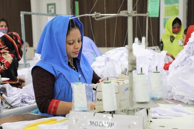 Bangladesh-apparel-exports-ahead-of-Vietnam