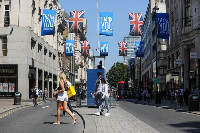 UK-high-streets-fashion-£830-mn-package